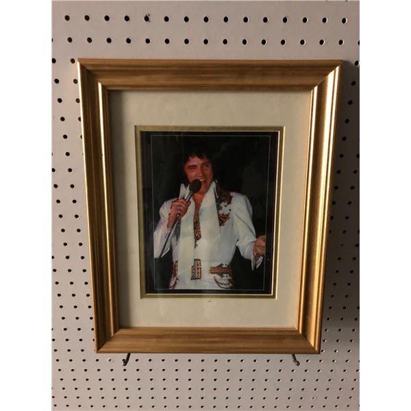 Framed Elvis Presley picture - 13 1/2in x 16 1/2in