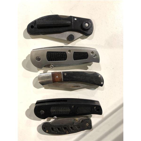 Group of 5 folding blade pockets knives