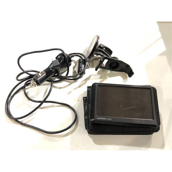 Garmin Nuvi navigator w/ storage case/ adapter & mount