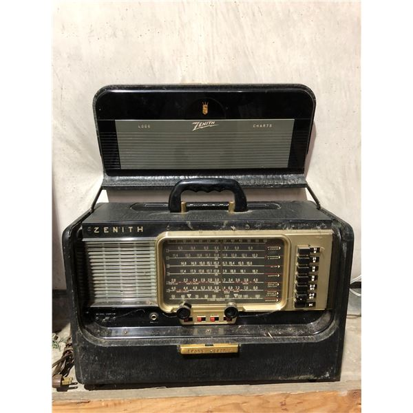 Early 1900's Zenith trans-oceanic wave magnet portable black radio