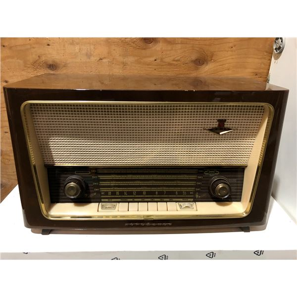 Vintage Nordmende HIFI 9015 shortwave table-top tube radio