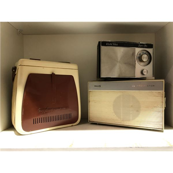 Group of 4 vintage transistor radios - Philips/ Electra & Channel Master Swing-along