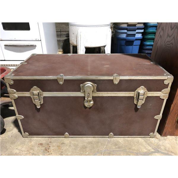 Large brown steamer storage/ travel trunk