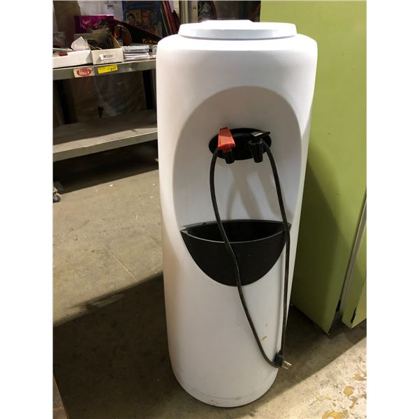 Hot & cold plug-in water dispenser/cooler from the show