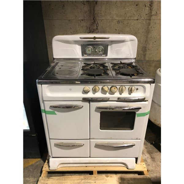 Vintage Rheem CP chrome & white enamel 4 burner gas stove