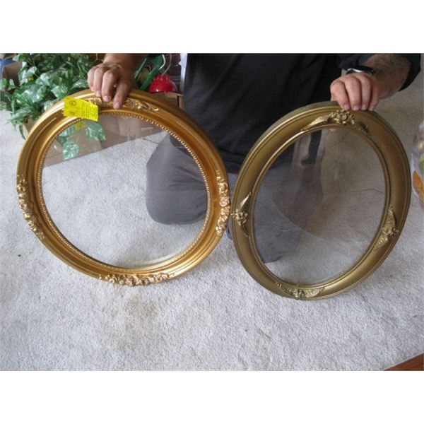 2 CONVEX GLASS PICTURE FRAMES
