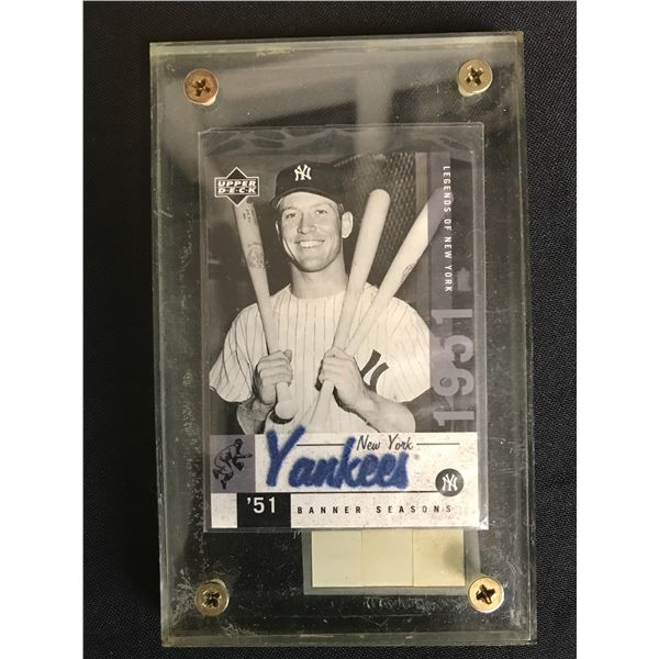 MICKEY MANTLE NEW YORK YANKEES CLEAR CUT RELIC