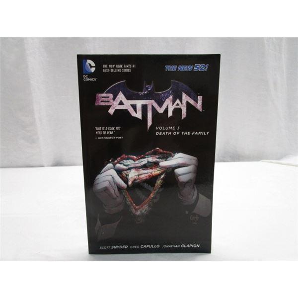 BOOK DC Comics Batman Vol. 3 Death of the Family