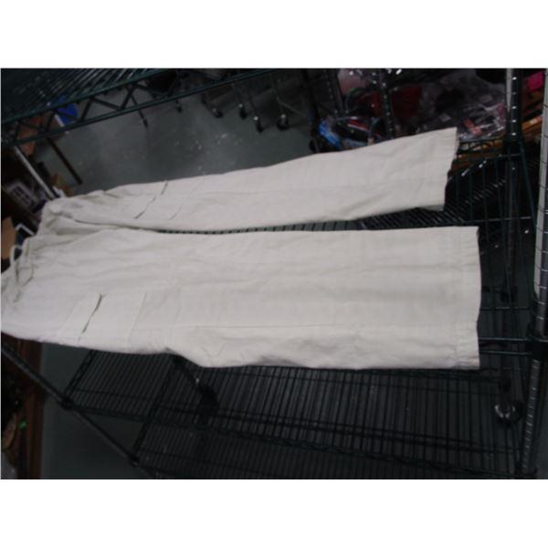 Womens' White Pants XL