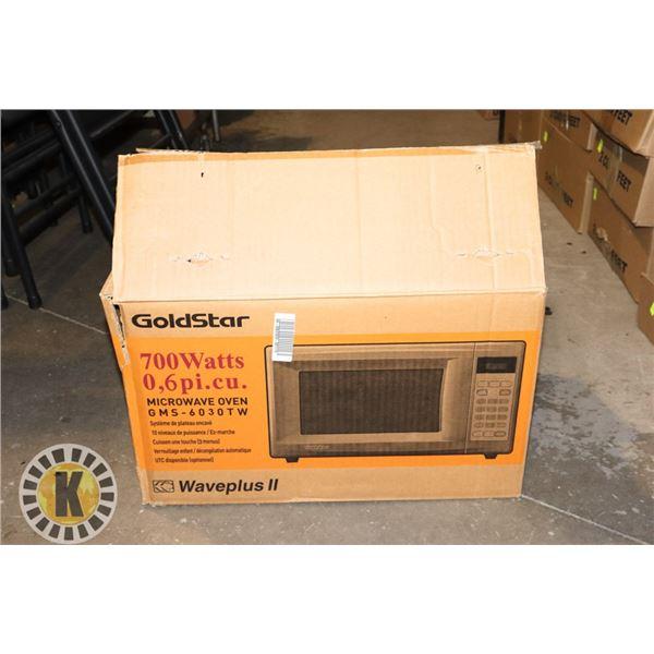 GOLDSTAR MICROWAVE IN ORIGINAL BOX