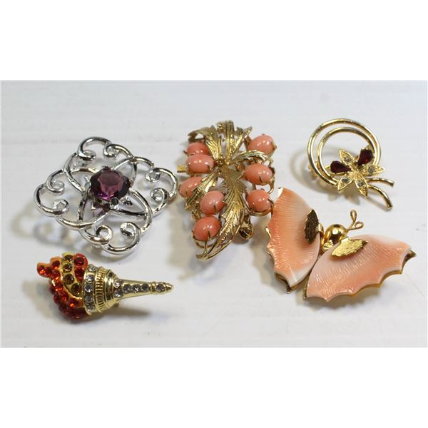 LOT OF 5 VINTAGE MIXED COSTUME BROOCHES