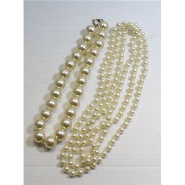 LOT OF 2 MIXED LADIES PEARL STYLE NECKLACES
