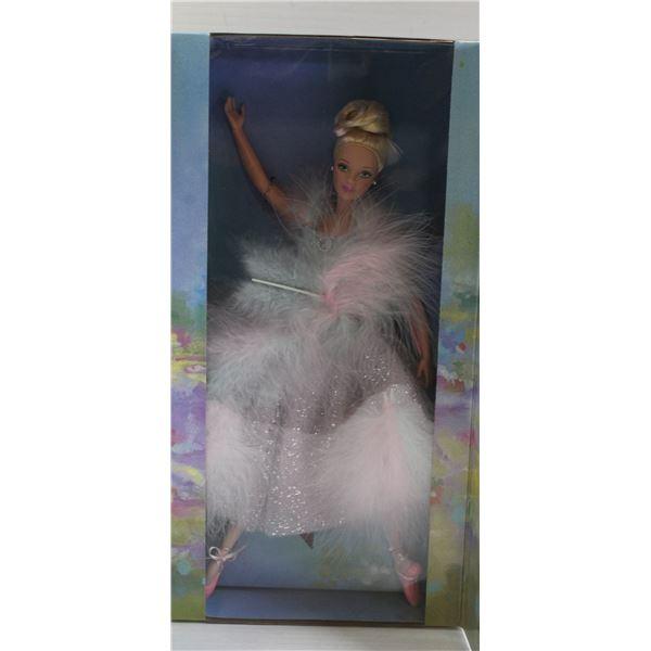 BRAND NEW BALLET MASQUERADE BARBIE 2000