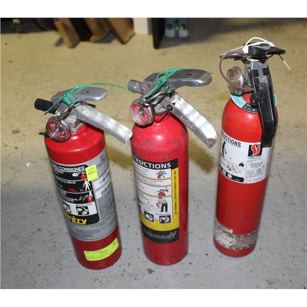 LOT OF 3  X  2LBS FIRE EXTINGUISHERS - 2 FULLY