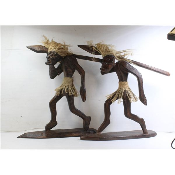 SET 2 NATIVE-AFRICAN WOODEN