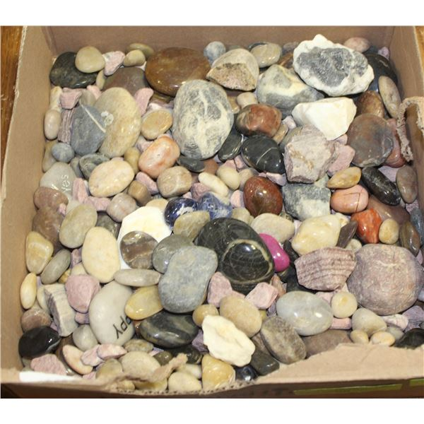 BOX OF STONES OF VARIOUS SHAPES AND SIZES