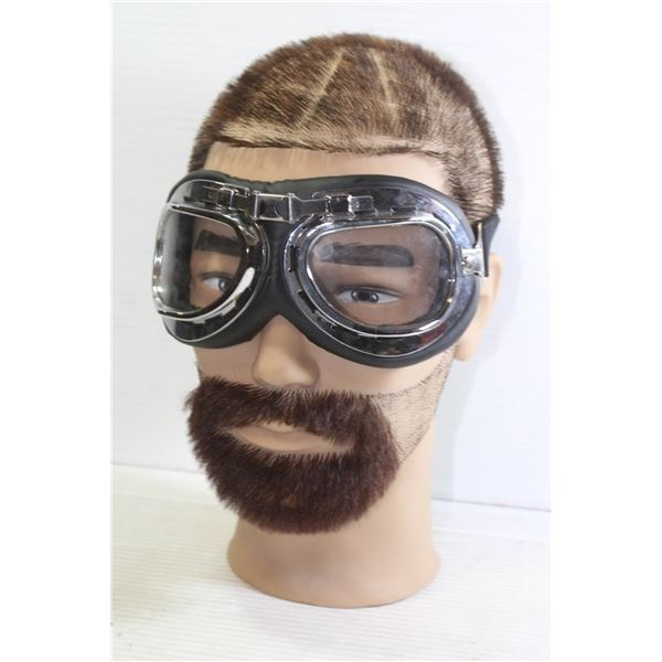 MOTORCYCLE GOGGLES WITH MANNEQUIN HEAD