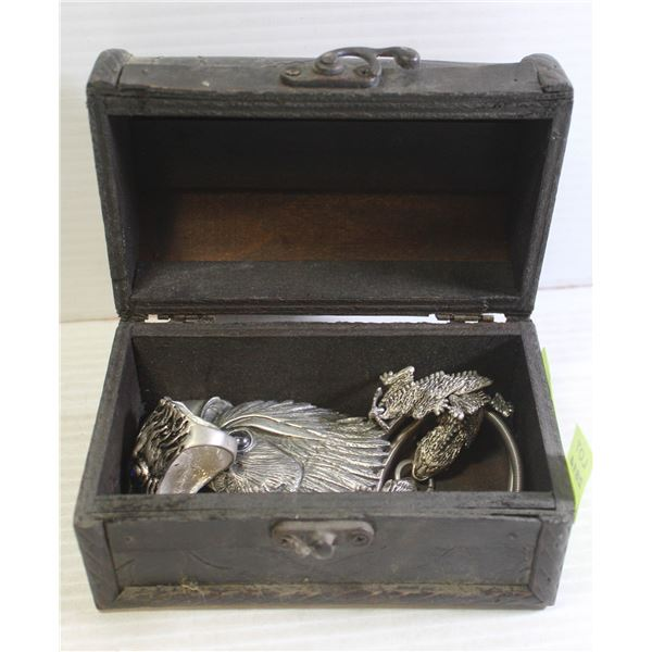 MENS JEWELRY IN WOOD CHEST