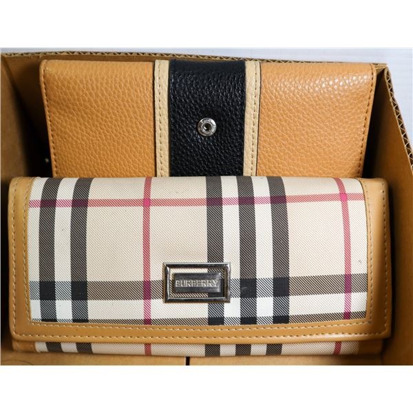 BOX WITH REPLICA BURBERRY AND GUESS WALLETS