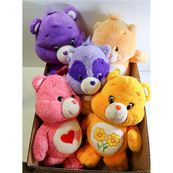 BOX WITH COLLECTION OF 5 CAREBEARS INCL.