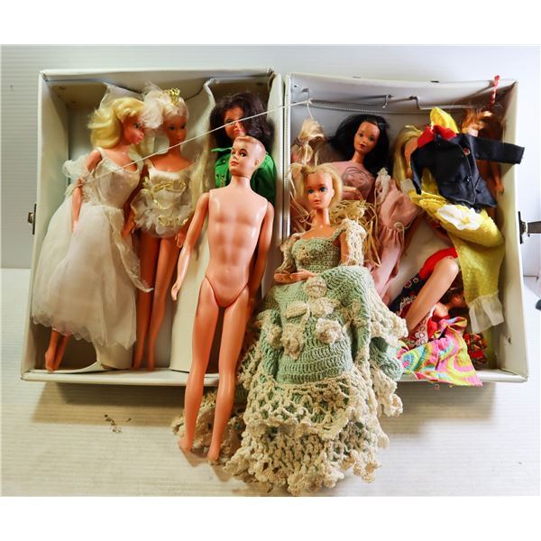 OLD ORIGINAL BARBIES AND KEN WITH CLOTHES & ACCESS
