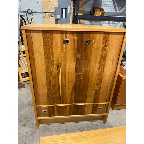 Armoire vallieres nicolet, Canada and headboard