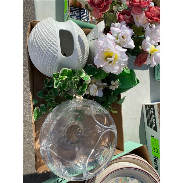 Crystal vase and decor