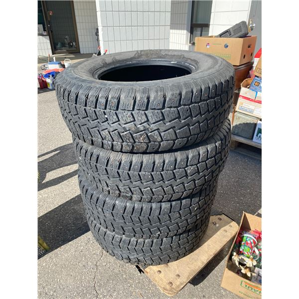 Tires 245/75R16 m+S