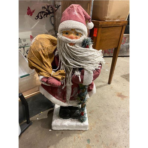 Santa 3 feet tall
