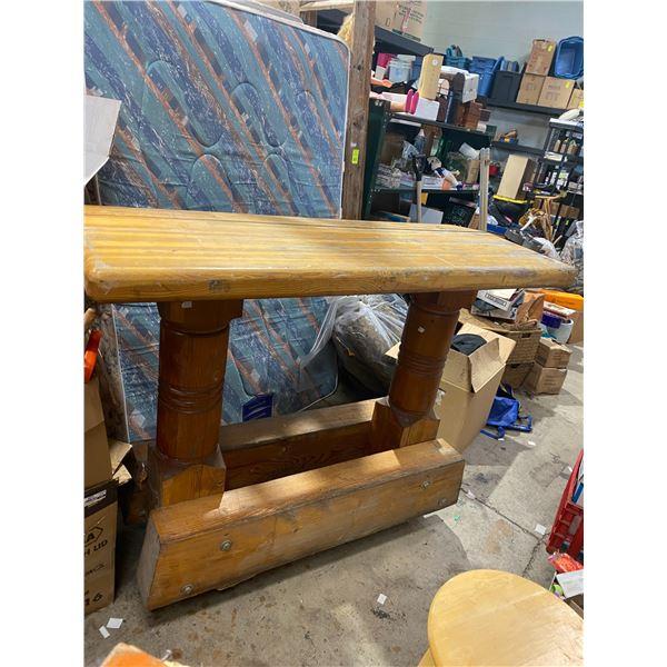 Rustic wood bar 5 ft x 2 ft aprox