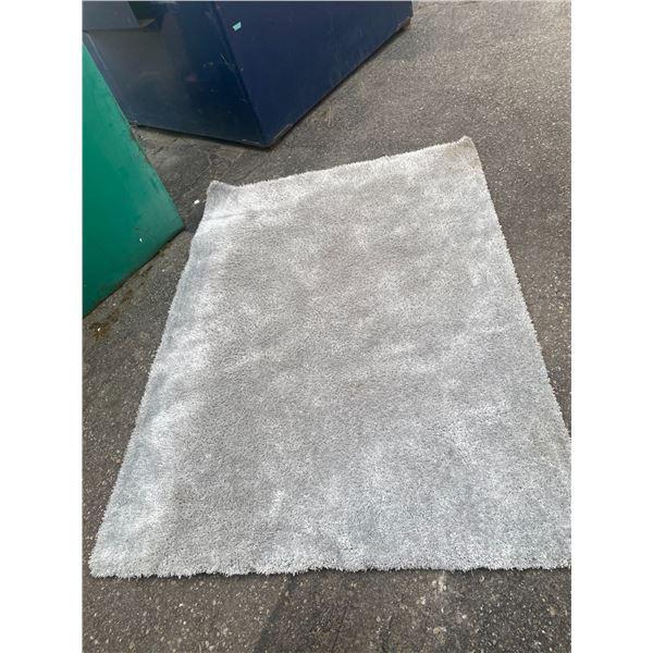 Area carpet 83x59 inches