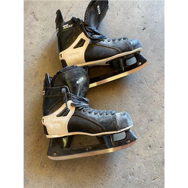 CCM tacks skate size 11
