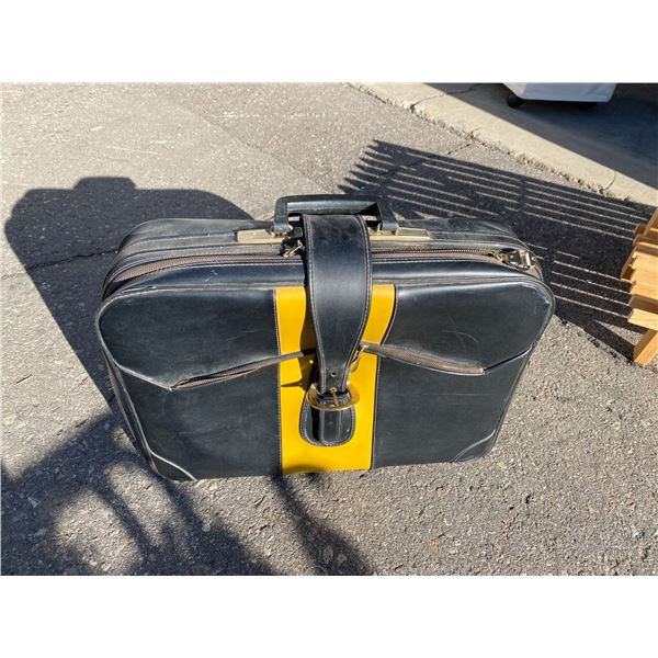 Suit case and maps