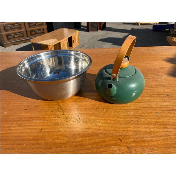 Tea pot  and bowl