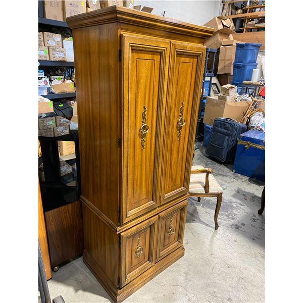 Singer cabinet Modle 380 space saver
