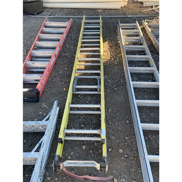 10 FT FEATHERLITE YELLOW EXTENSION LADDER