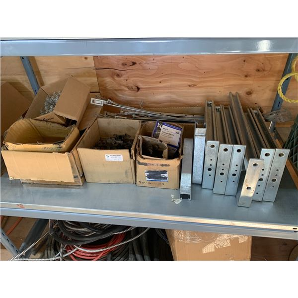 SHELF OF CONNECTORS AND FASTENERS
