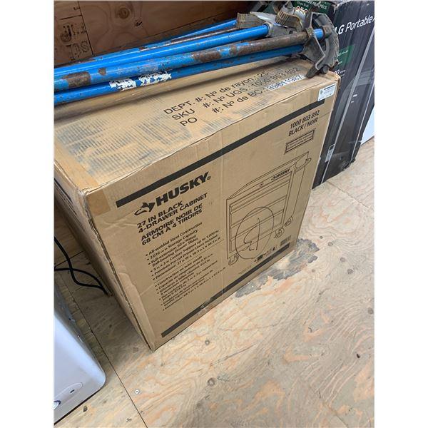 HUSKY 1000803892 27 INCH BLACK TOOL BOX