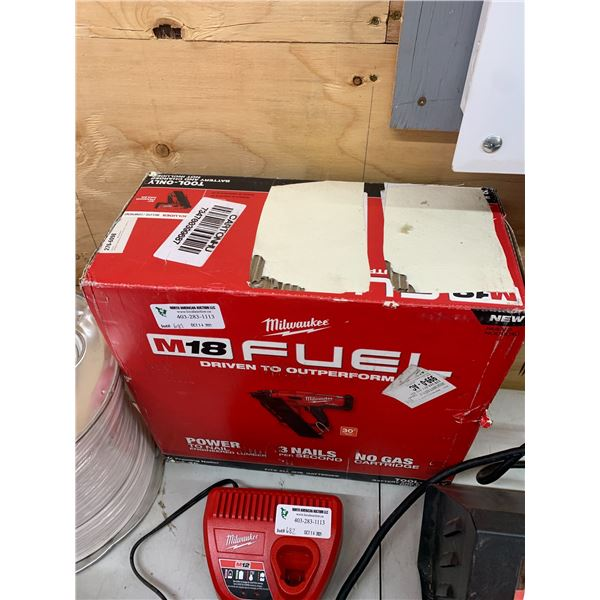 NEW MILWAUKEE M18 FUEL POWER FRAMING TAILER 276-6098 TOOL ONLY