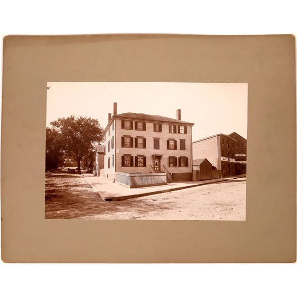 Photograph of Henry Longfellow's Home  [138369]
