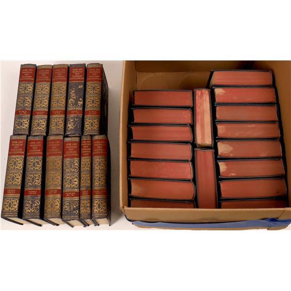 Funk & Wagnalls New Standard Encyclopedia Collection (28)  [139791]