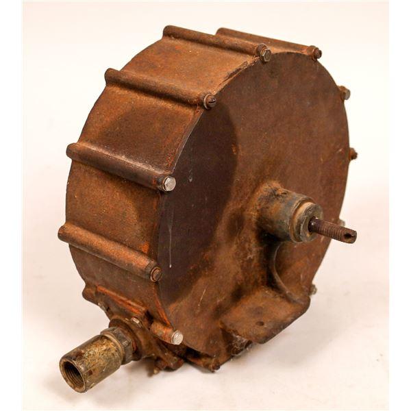 Antique Water Pump  [140000]