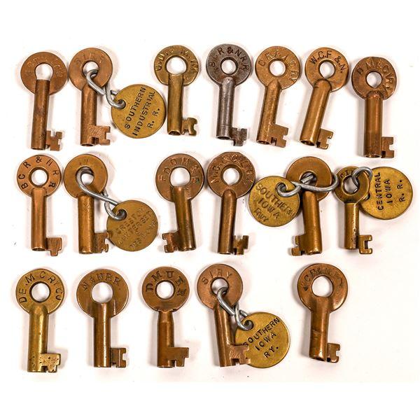 Railroad Lock Keys (18), multiple Iowa RR Lines  [138641]