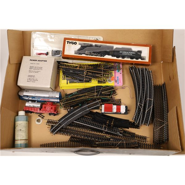 HO Scale Assortment of Loco'a and track  [138006]