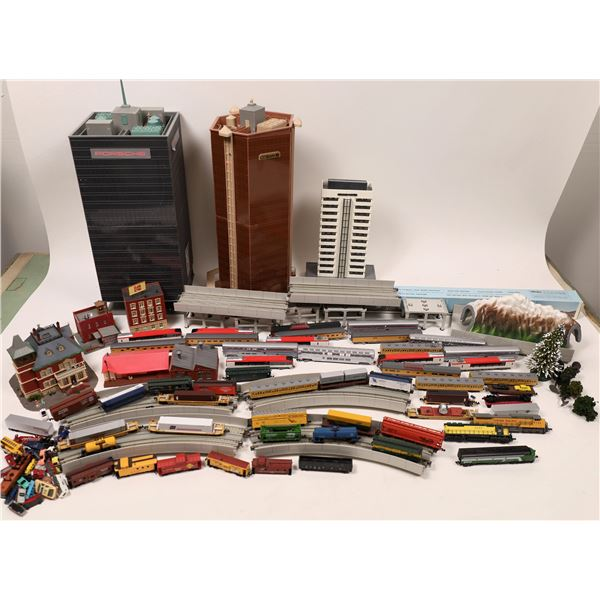 N Scale rolling , stock, Locomotives  [139824]