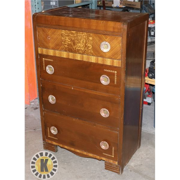 VINTAGE WOODEN DRESSER WITH 4 DRAWERS