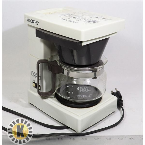MR COFFEE SMALL BREWER AND POT