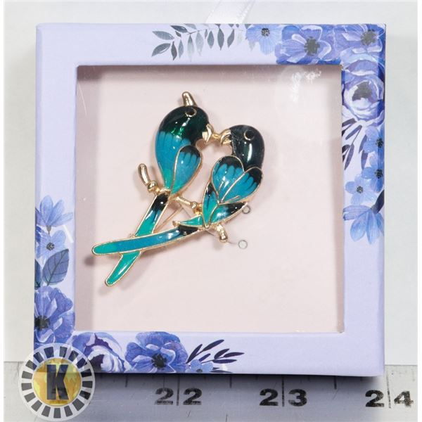NEW VINTAGE STYLE KISSING BIRDS BROOCH