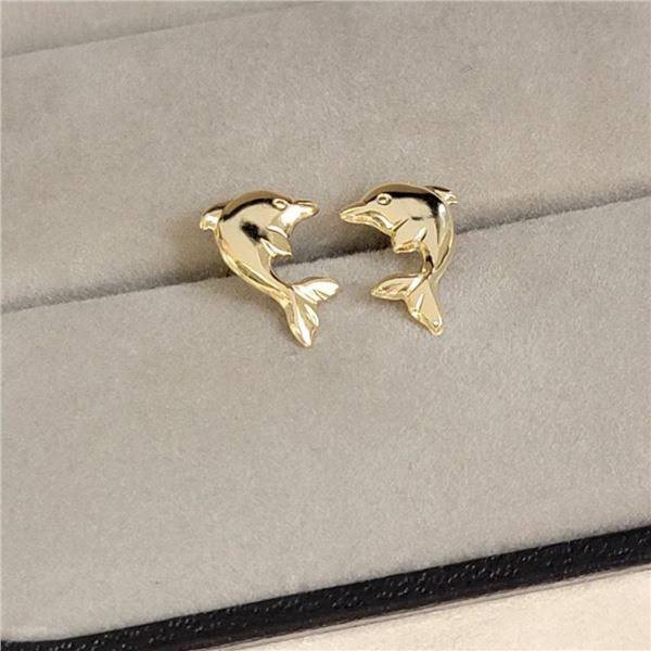 14K Yellow Gold Earrings (~Size 0) (~length 0 inches), Made in Canada, Suggested Retail Value $140
