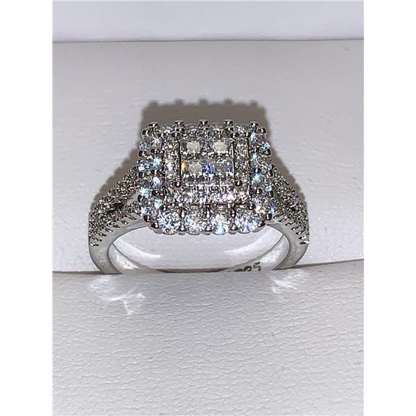 Ladies .925 silver Multi stone cluster top dress Ring